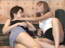 http://img152.imagevenue.com/loc1/th_215675864_Lesbian_Lovers___Strangulation.mpg_20151122_205451.609_123_1lo.jpg