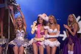 th_20723_Victoria_Secret_Celebrity_City_2007_FS_0587_123_1013lo.jpg