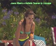 Joana Ribeiro e Mafalda Tavares em biquini na novela Poderosas