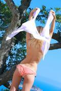 http://img152.imagevenue.com/loc405/th_378212992_Glaube_Candy_A_0063_123_405lo.jpg