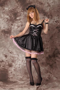 http://img152.imagevenue.com/loc429/th_232478802_Silver_Sandrinya_maid_3_024_122_429lo.jpg