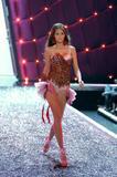 Flavia Oliveira Hot wife on the George Lopez Show.... Foto 5 (Флавия де Оливейра Горячая женой Джордж Лопес Показать .... Фото 5)