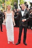 Канны (Annual Cannes International Film Festival ) - Страница 2 Th_92861_Celebutopia_SarahMarshall_RobinHoodpremiereatthe63rdAnnualCannesFilmFestival_03_122_557lo
