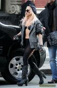 [Image: th_73006_Lady_Gaga_13_122_600lo.JPG]
