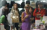 123mike HQ pictures of Victoria Th_03671_Victoria_Beckham_shopping_in_Beverly_Hills_054_123_653lo