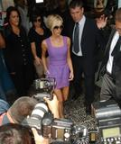 123mike HQ pictures of Victoria Th_03297_Victoria_Beckham_shopping_in_Beverly_Hills_036_123_827lo